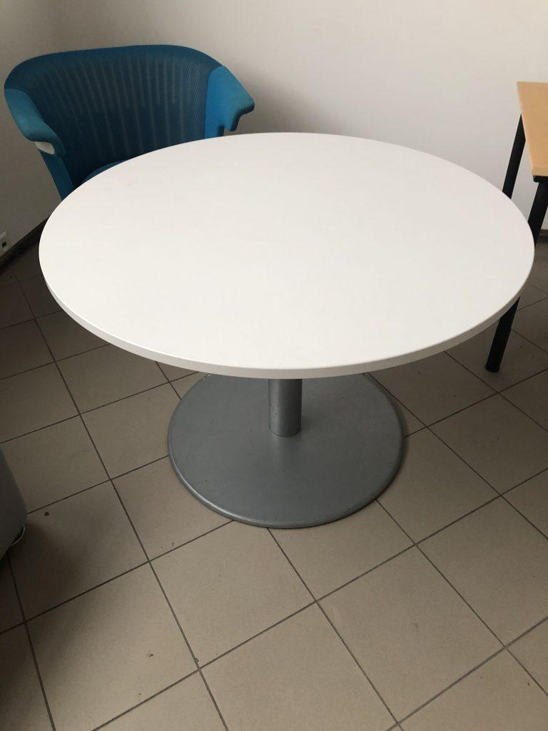 apvalus stalas
